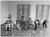 Yoga_Kids_Statue